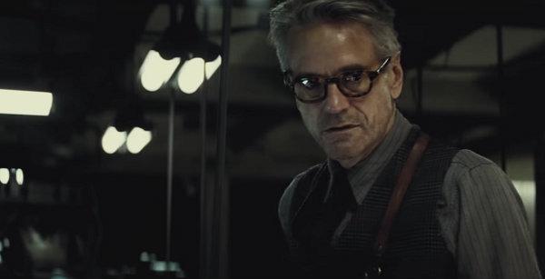 batman v superman 04 alfred